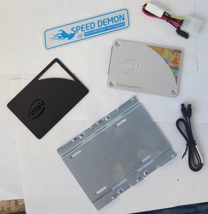 Intel SSD 530 (SSDSC2BW180A401)