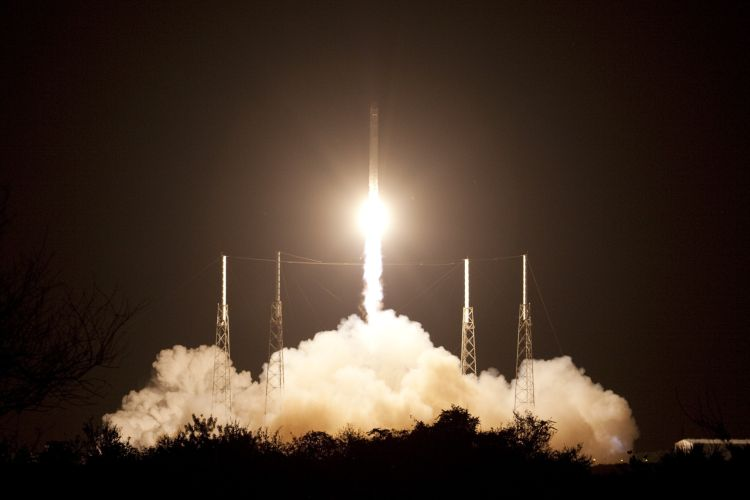SpaceX_CRS-1_launch_cropped