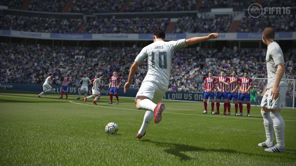FIFA16_XboxOne_PS4_Gamescom_RMvATL_LR_WM