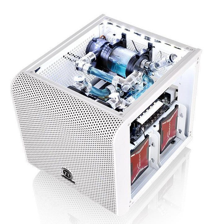 thermaltake_core_v1_snow_edition_002