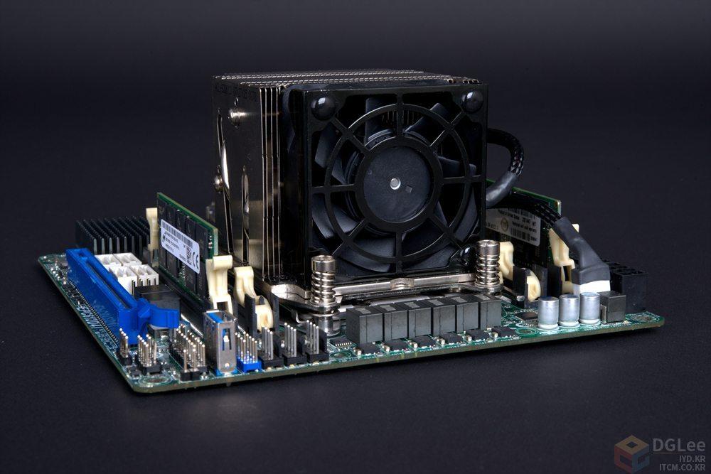 AMD-Radeon-R9-Nano_MakeitNano_3