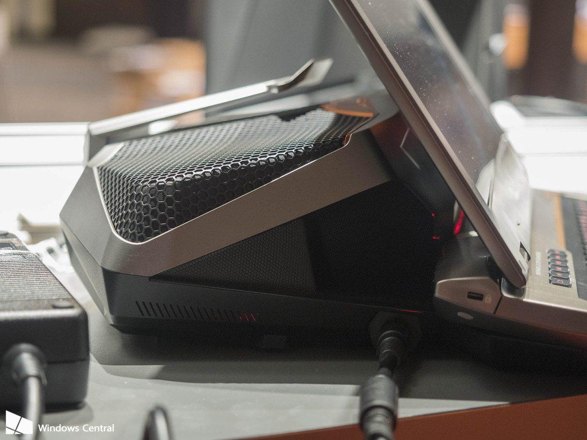 ASUS-ROG-GX700-Series_1