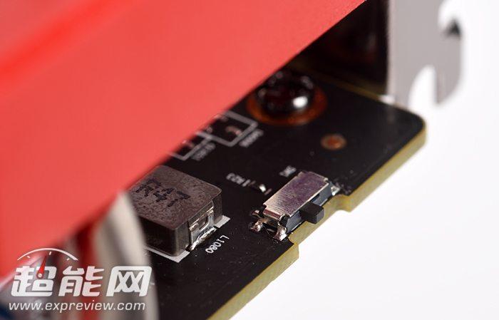 XFX-Radeon-R9-380-Crimson-Edition_3