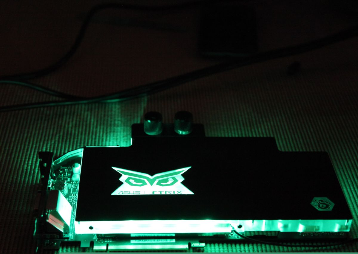 GTX-980-Ti-STRIX-Gaming-ICE_10-1