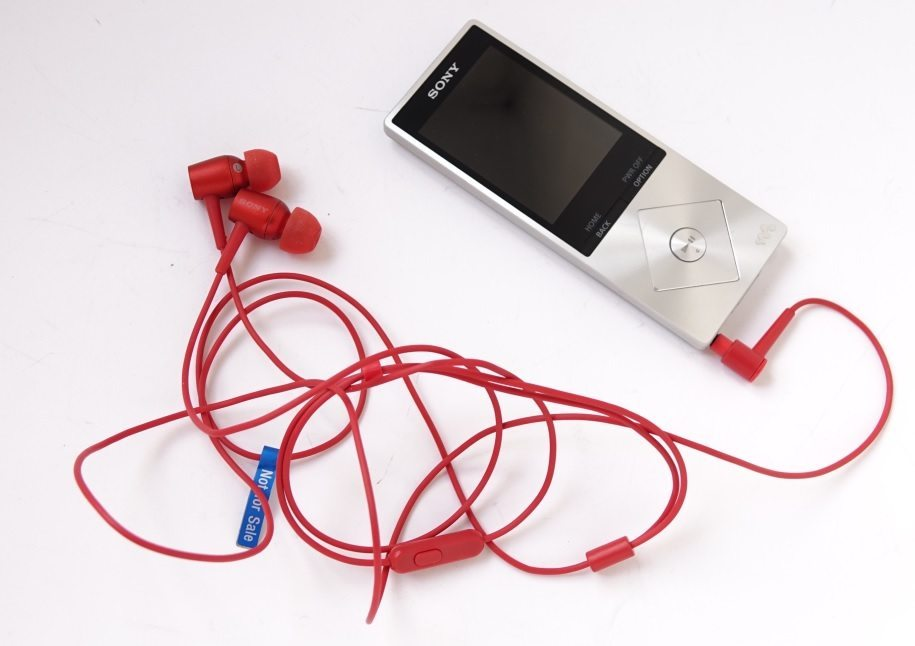 Sony h.ear in MDR-EX750AP и Sony Walkman NWZ-A15