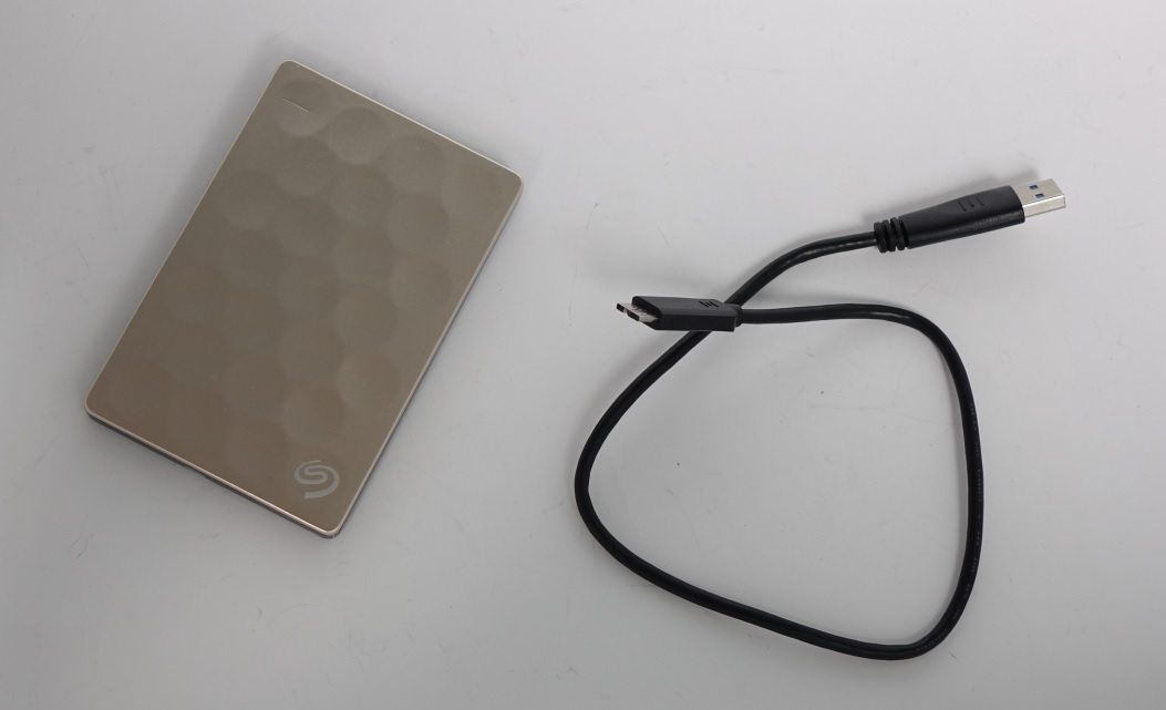 Seagate Backup Plus Ultra Slim провод