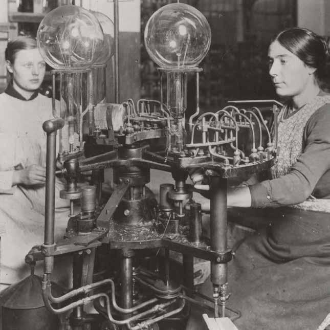 В 1909 году Philips открыла собственную химическую лабораторию