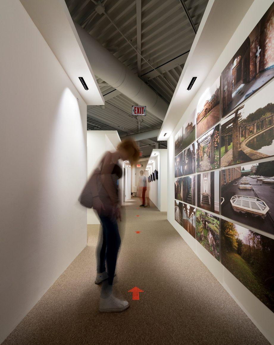 В 2014 компания презентовала Luminous Carpet – «умное» ковровое покрытие