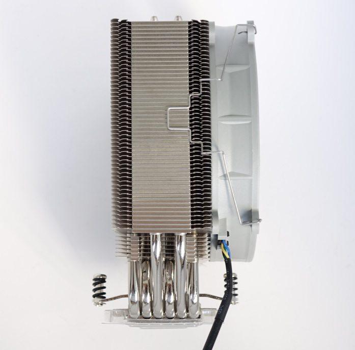 Noctua NF-P14r redux-1500 PWM radiator side