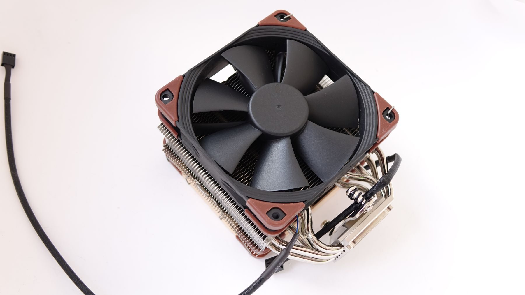 Noctua NF-F12 industrialPPC-24V-3000 IP67 PWM on u12s