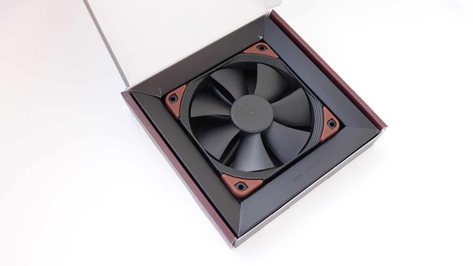 Noctua NF-F12 industrialPPC-24V-2000 IP67 PWM box
