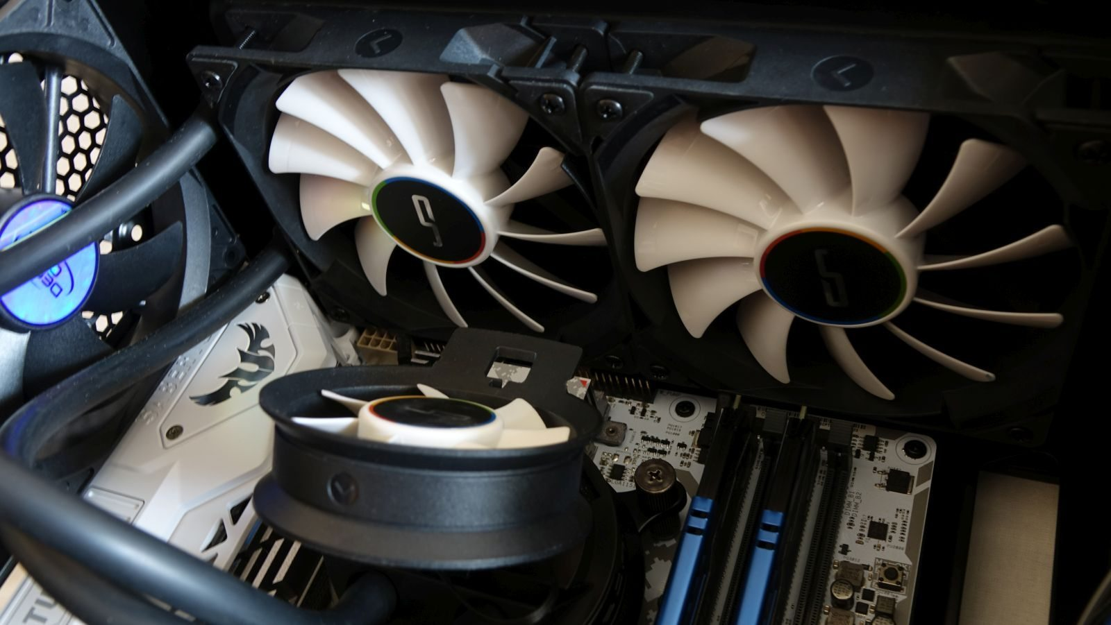 Cryorig A40 Ultimate close fans
