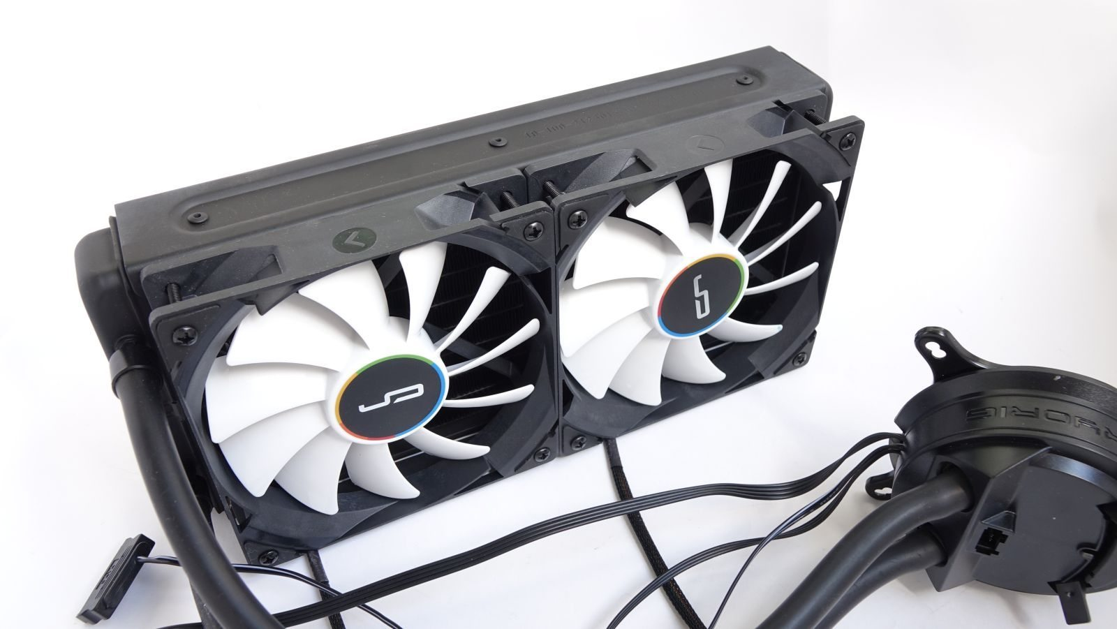 Cryorig A40 Ultimate radiator and fans
