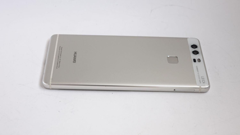 Huawei P9 back side