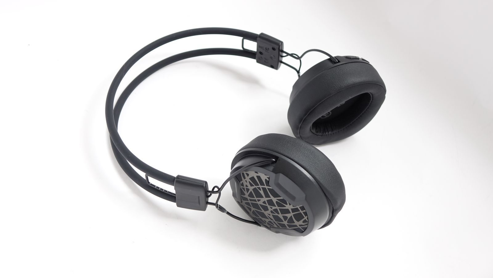 Arctic P604 Wireless hero