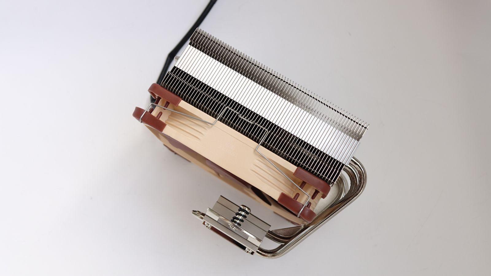 Noctua NH-C14S вентилятор снизу