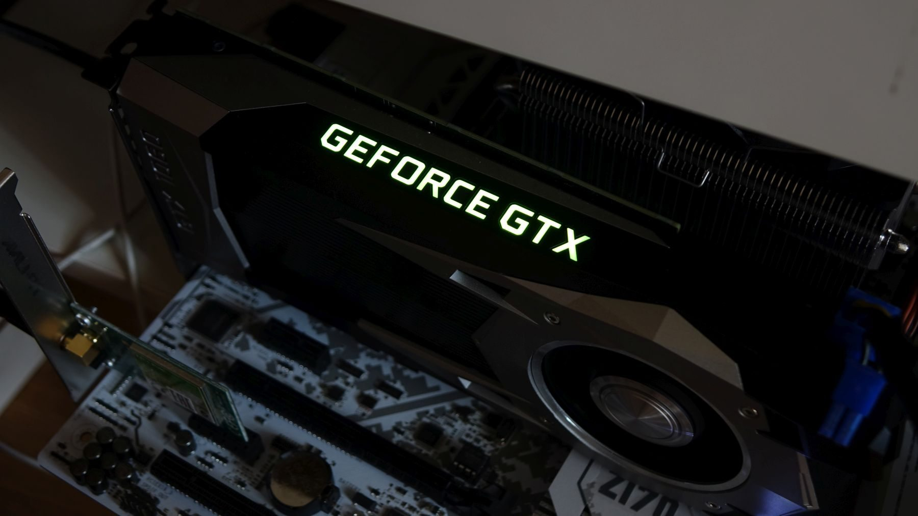 GeForce GTX 1060 подсветка