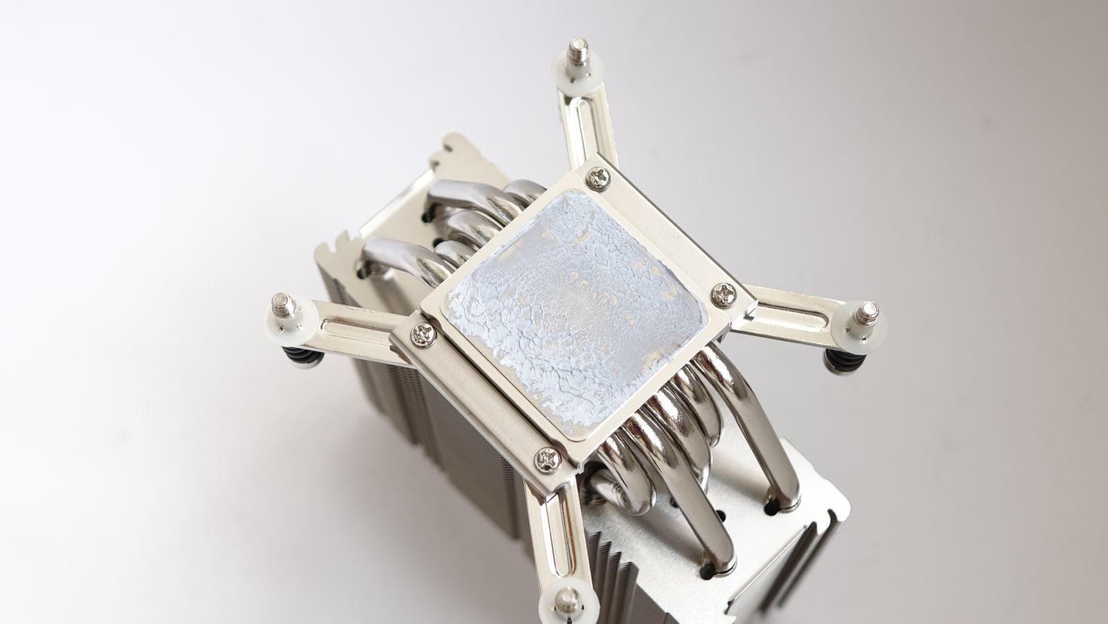 Noctua NH-U12DX i4 отпечаток термопасты