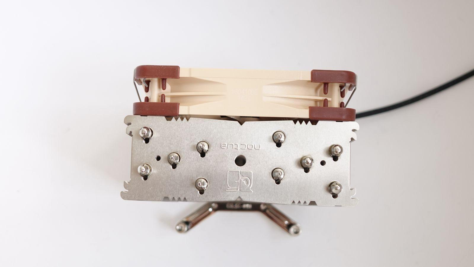 Noctua NH-U12DX i4 из коробки