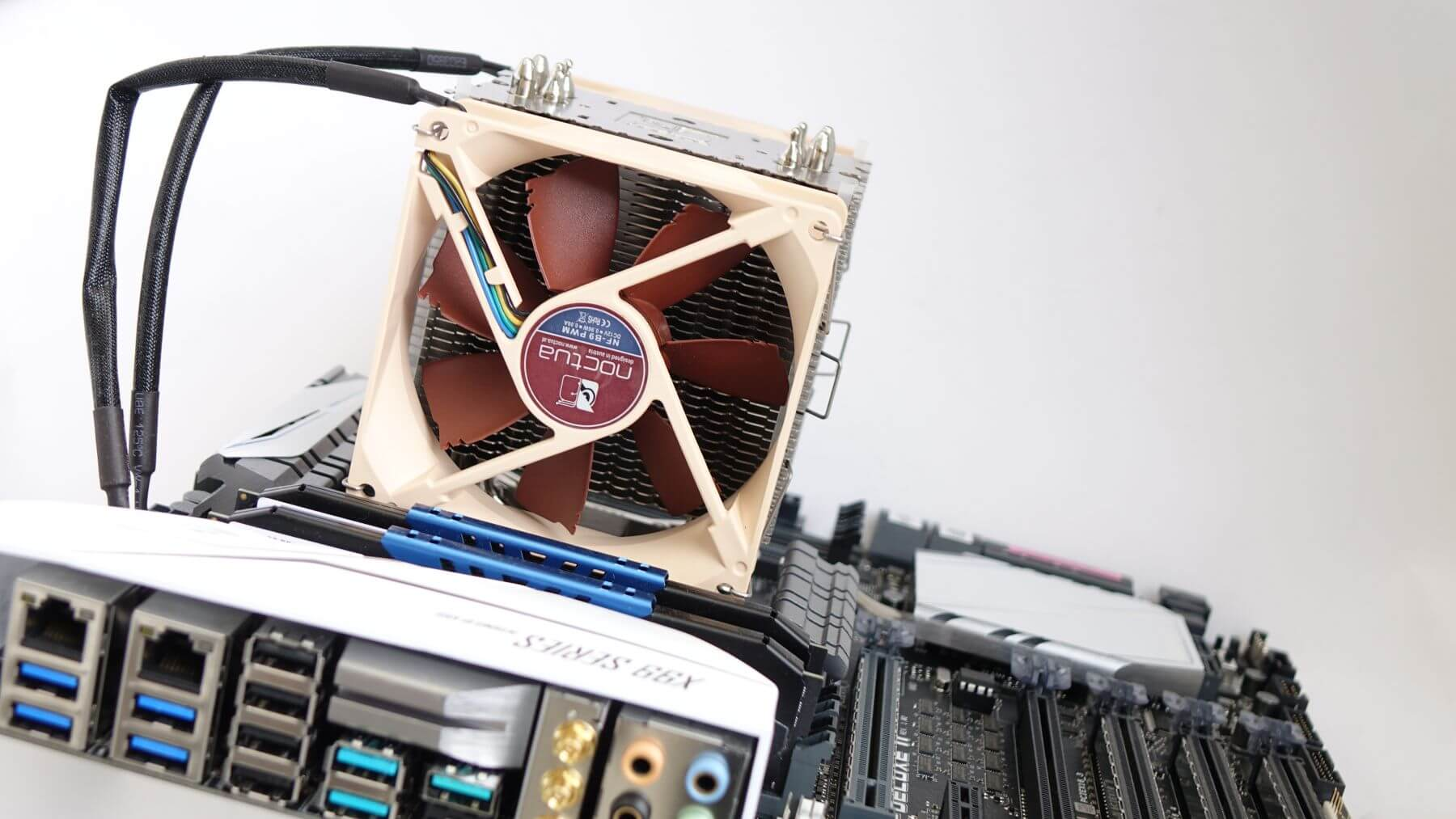 Noctua NH-U9DX i4 на Intel X99