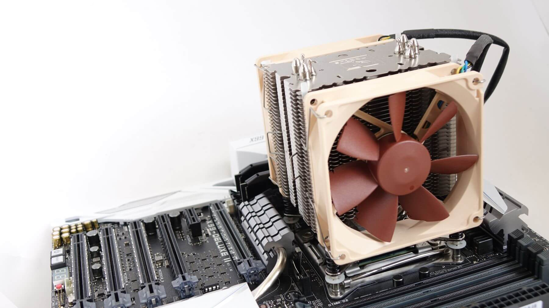 Noctua NH-U9DX i4 в работе