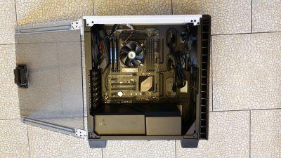 Corsair Carbide Clear 400C inside