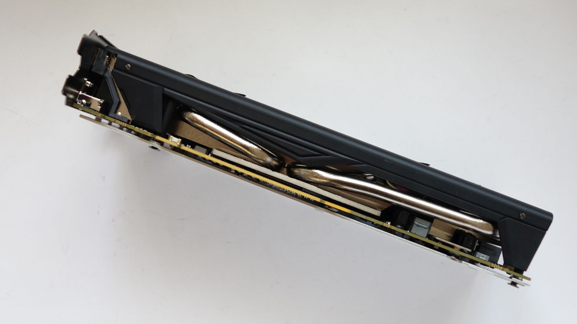 Sapphire NITRO+ Radeon RX 470 4G D5 OC тепловые трубки