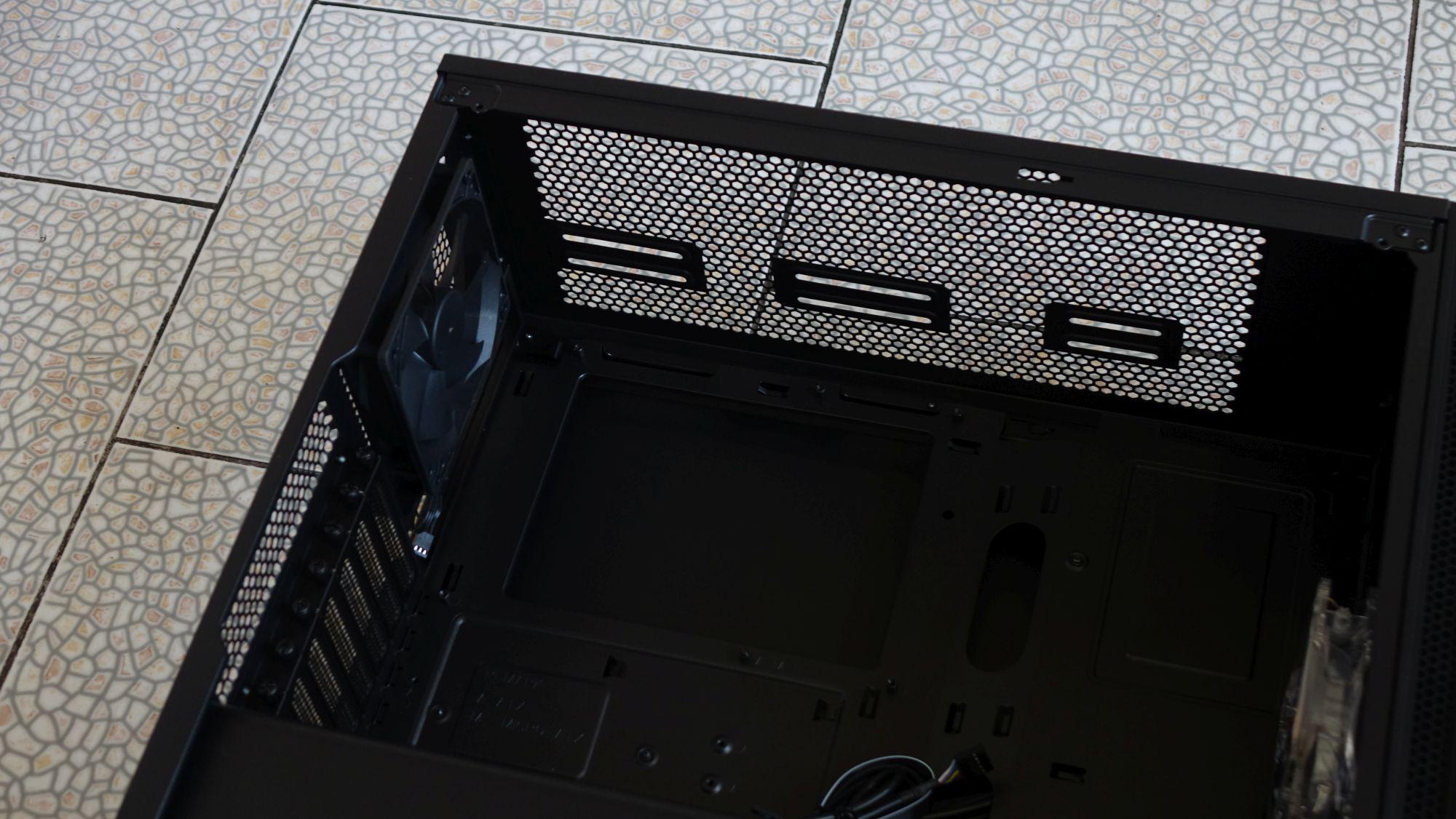 Corsair Carbide 270R вентилятор