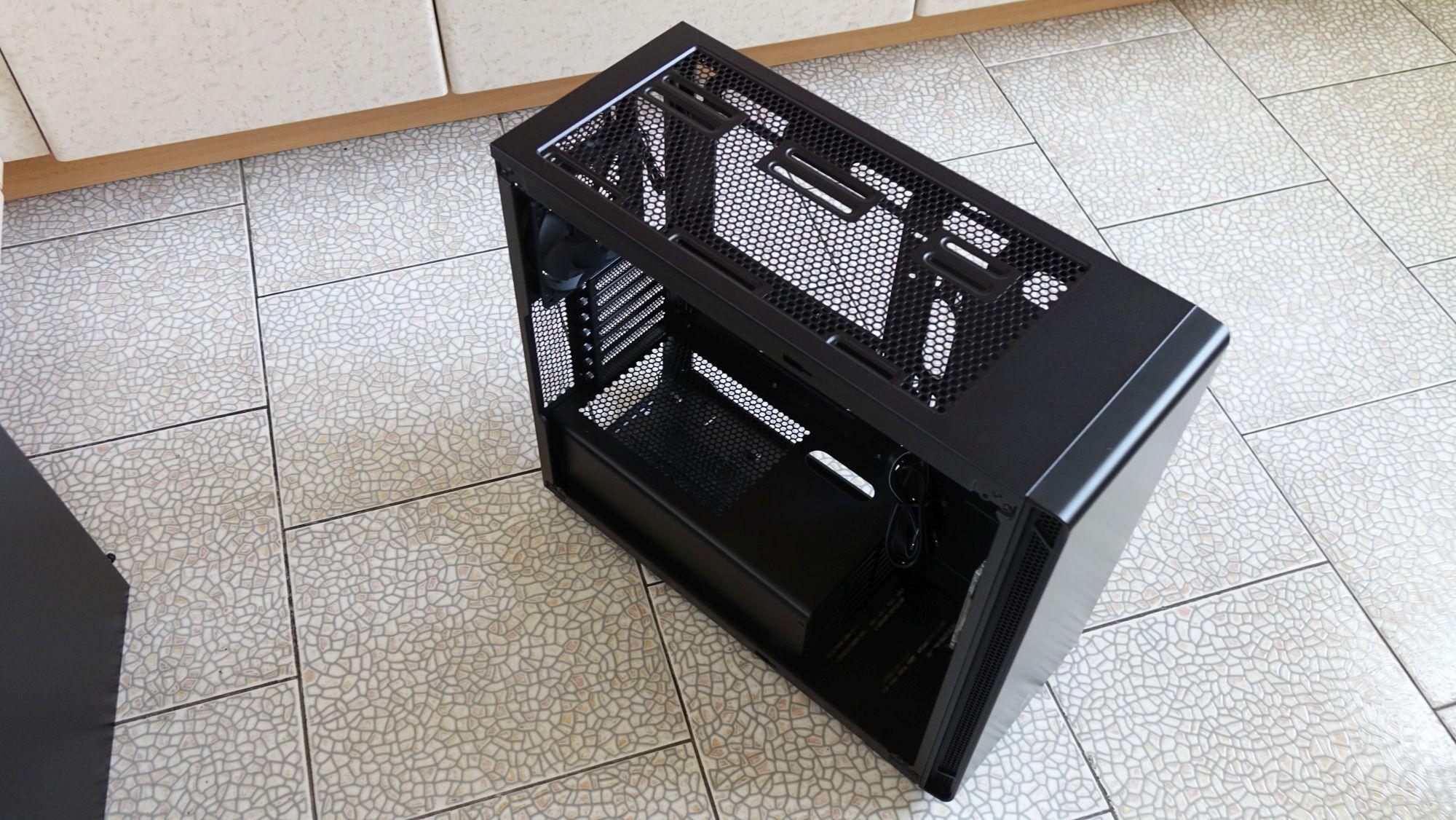 Corsair Carbide 270R без стенок