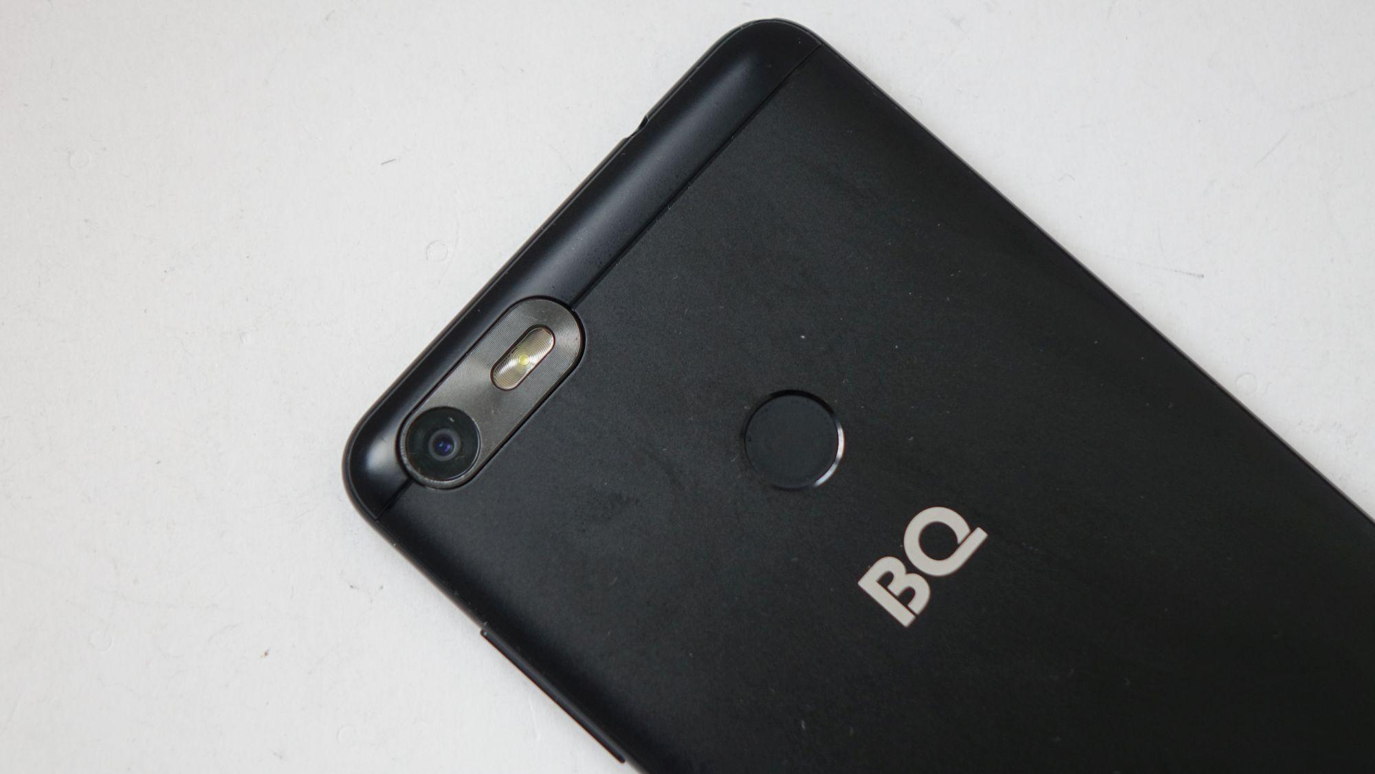 BQ Strike Selfie (BQ-5204) камера