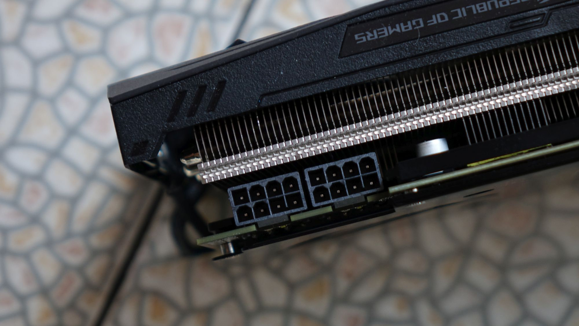 ASUS ROG Strix RX VEGA 64 8-pin