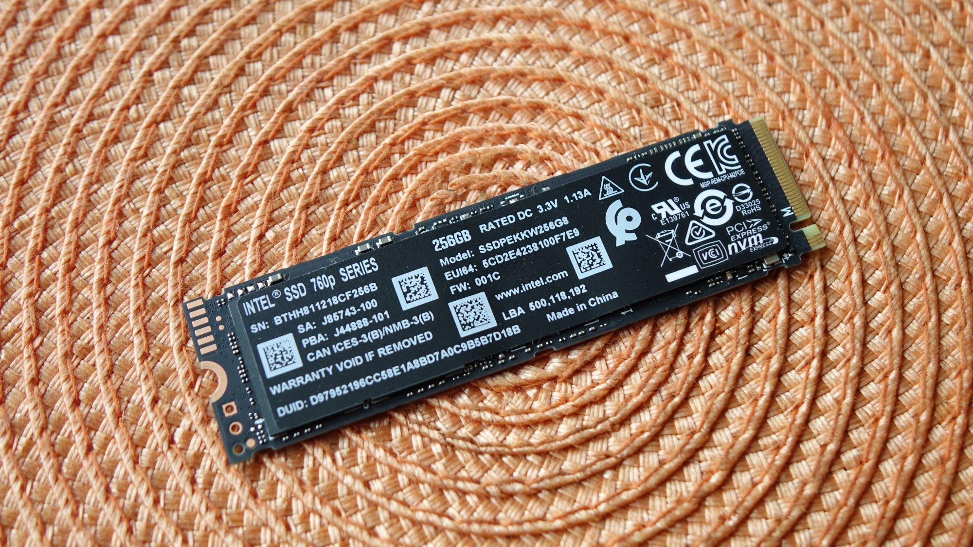 Intel 760p 256 Гбайт