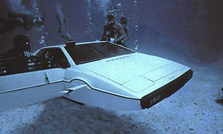 James Bond's Lotus Esprit submarine car