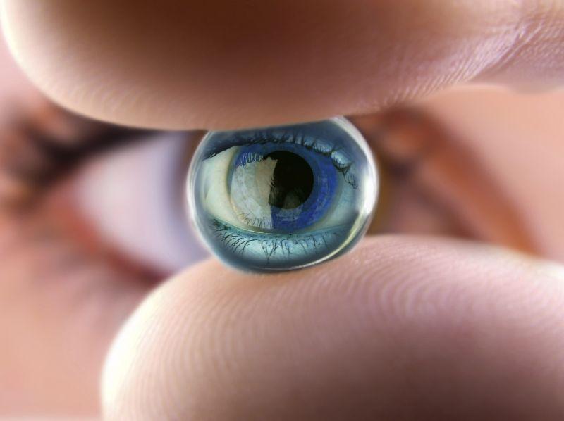 Google занялась разработкой «умных» контактных линз для диабетиков