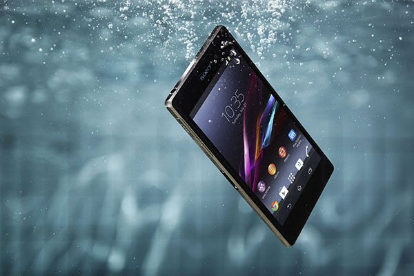 Sony-Mobile_XperiaZ1_Waterproof-web