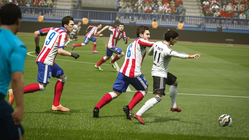 FIFA16_XboxOne_PS4_FirstParty_AtlMadrid_vs_Valencia_HR