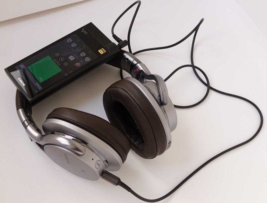 Sony Walkman NW-ZX2 и Sony MDR-1ABT
