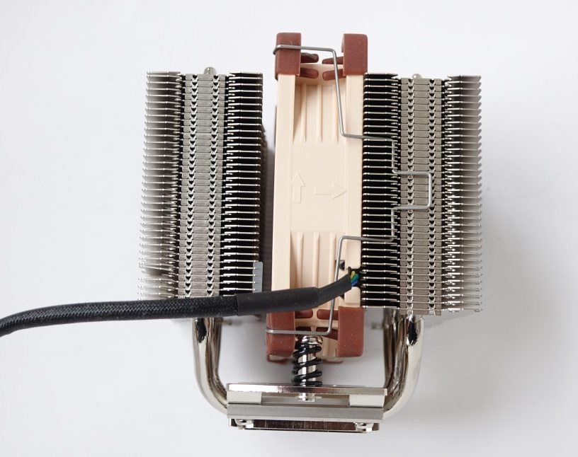Noctua NH-D9L side