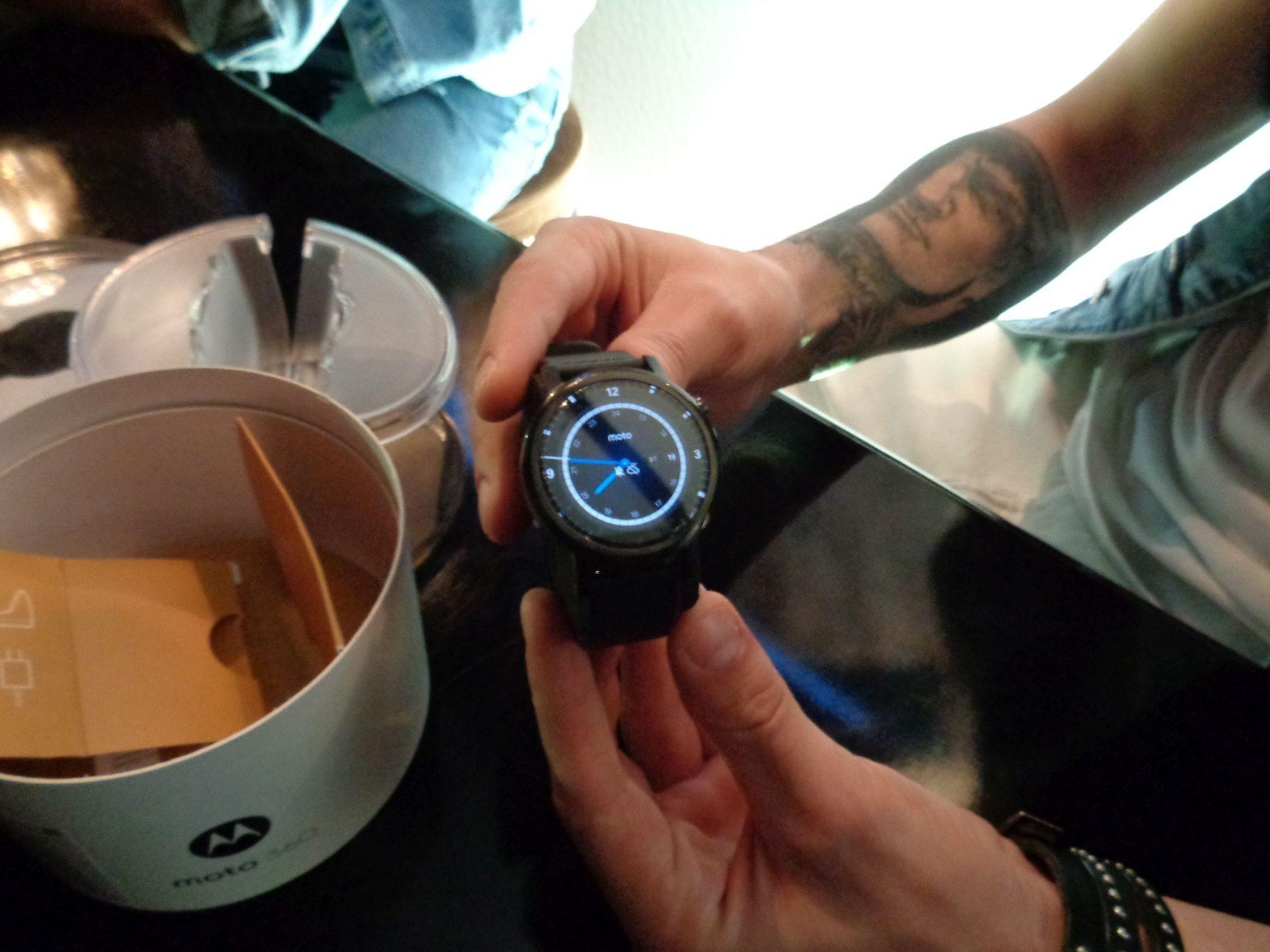 Презентация умных часов Moto 360 TFT