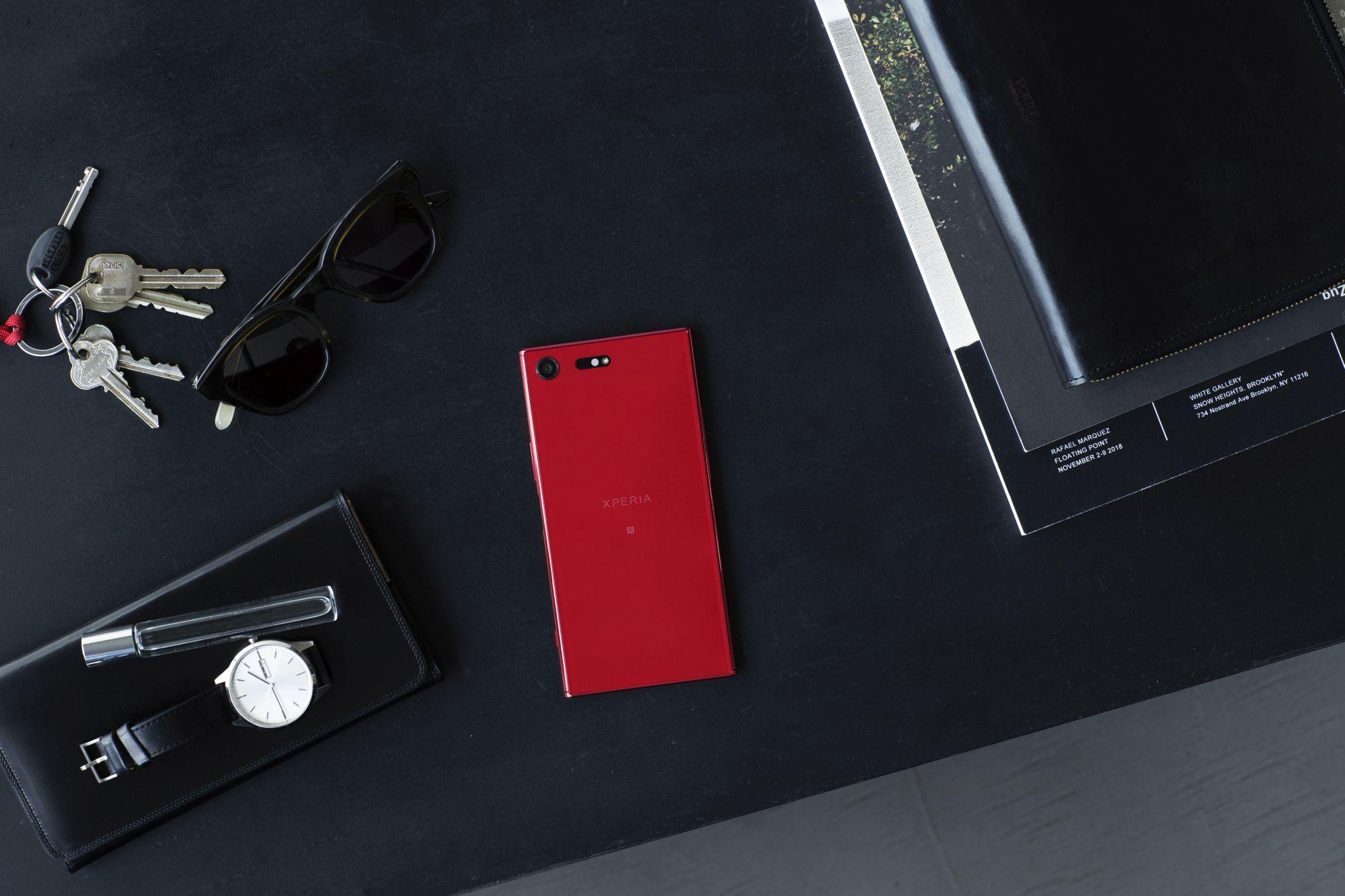 XZ Premium Rosso_Layflat