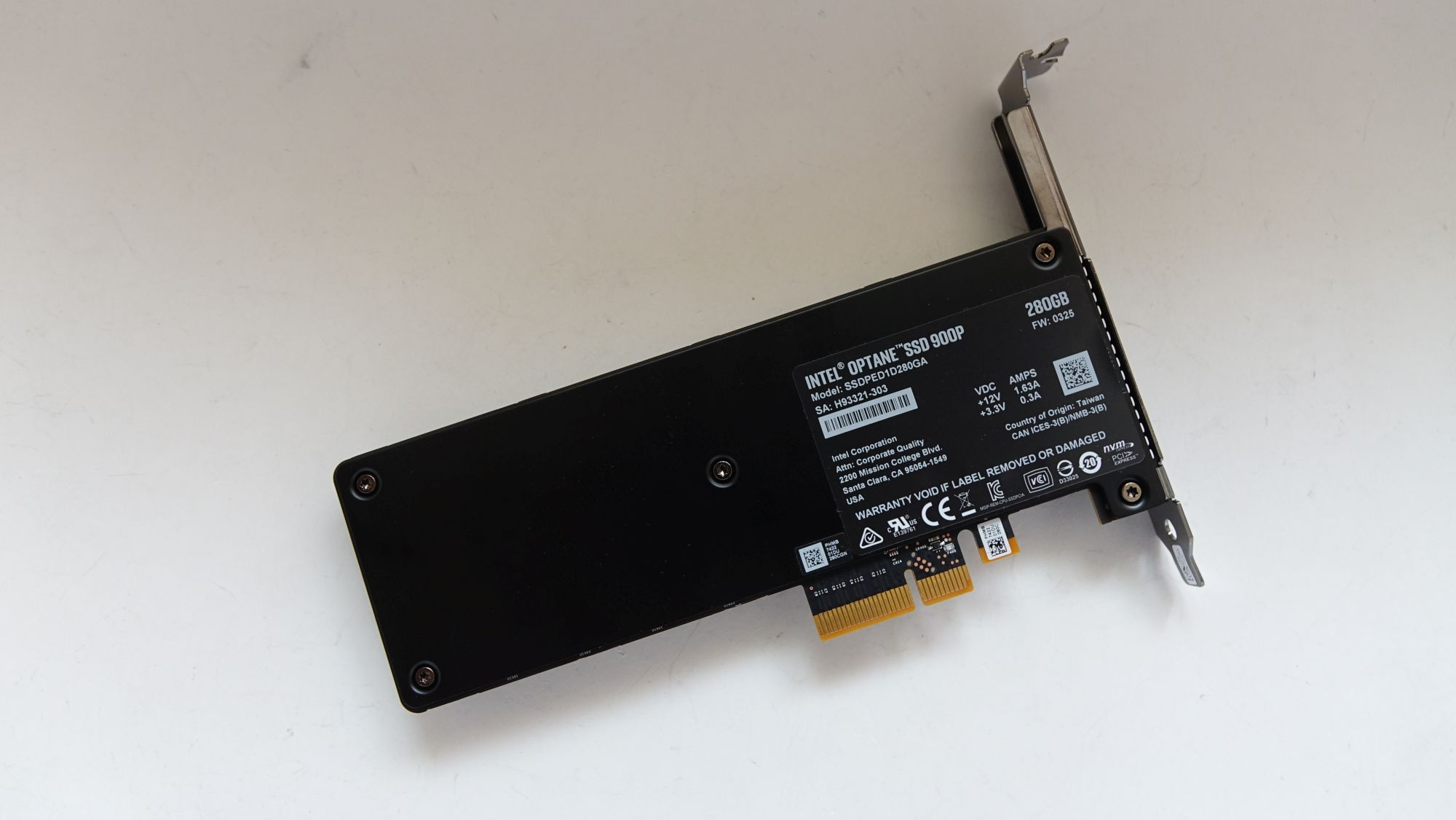 Intel Optane 900P наклейка