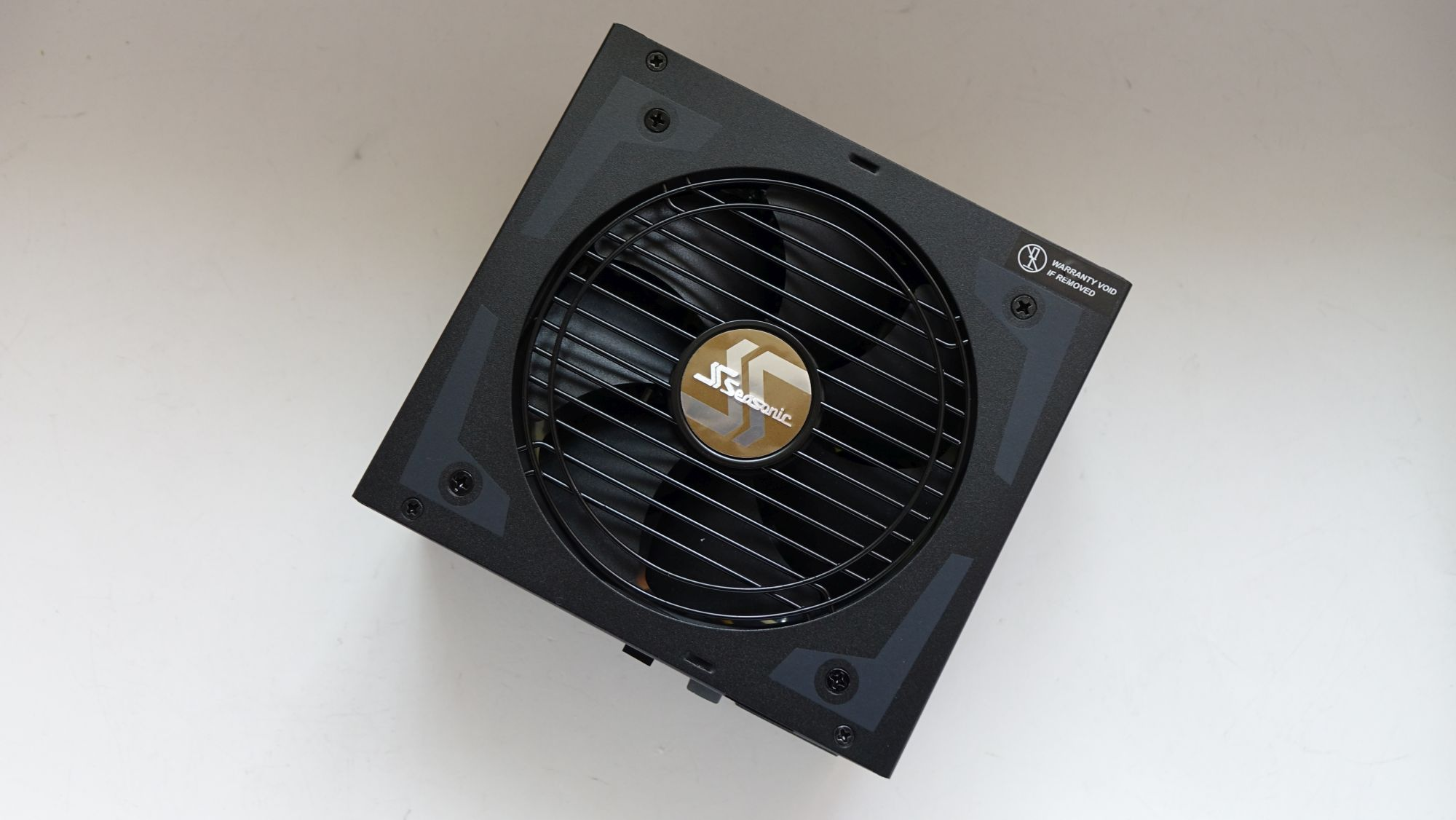 Seasonic Focus Plus Gold SSR-650FX вентилятор
