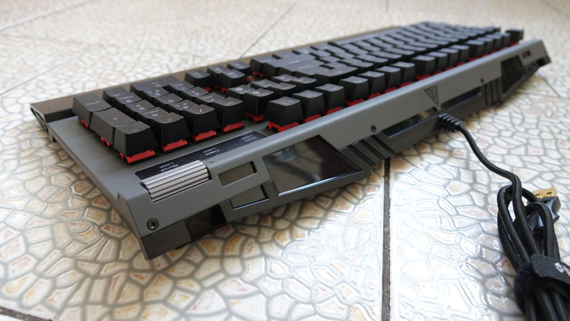 Gamdias Hermes P2 RGB дизайн