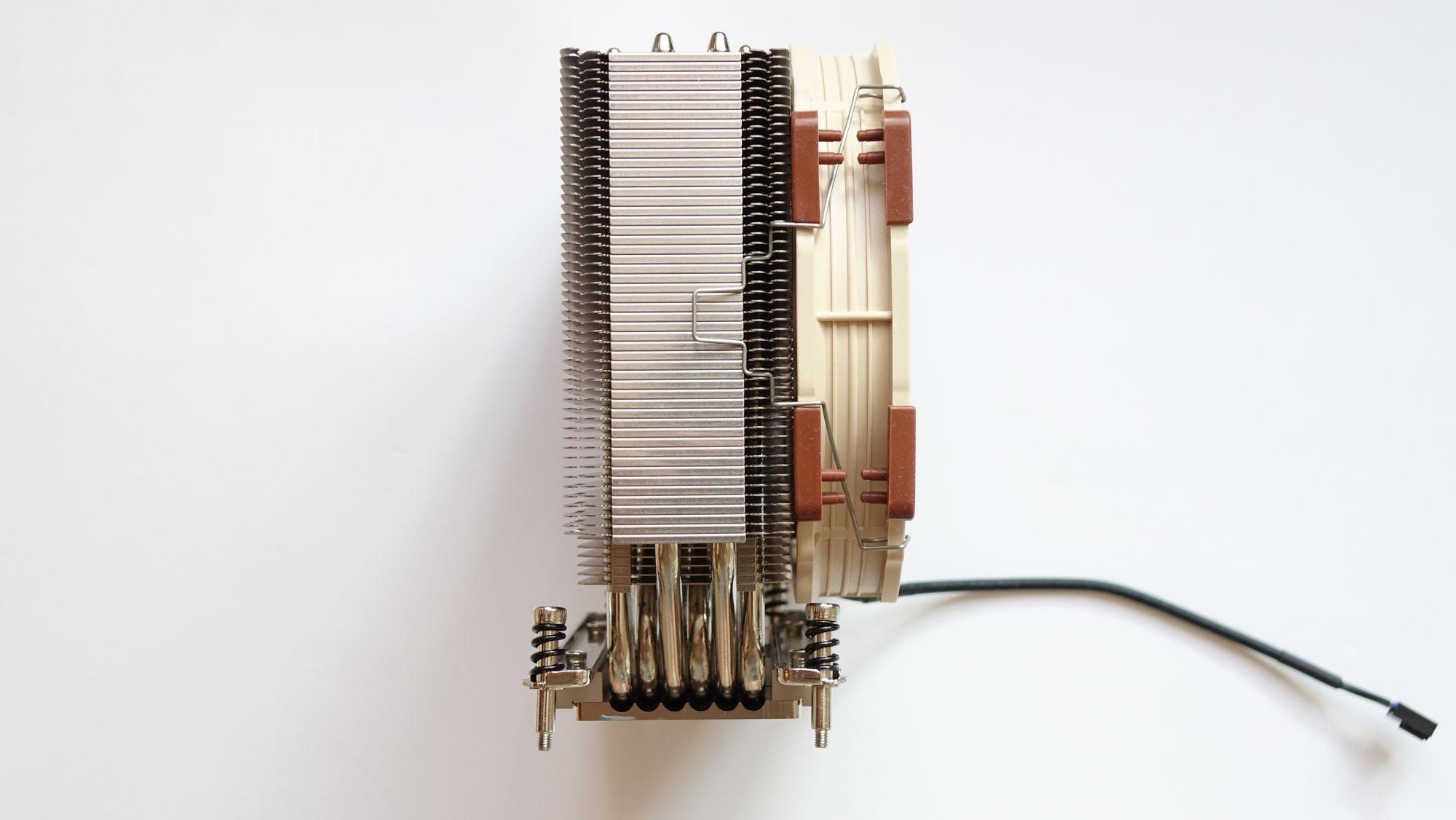 NH-U14S TR4-SP3 сбоку