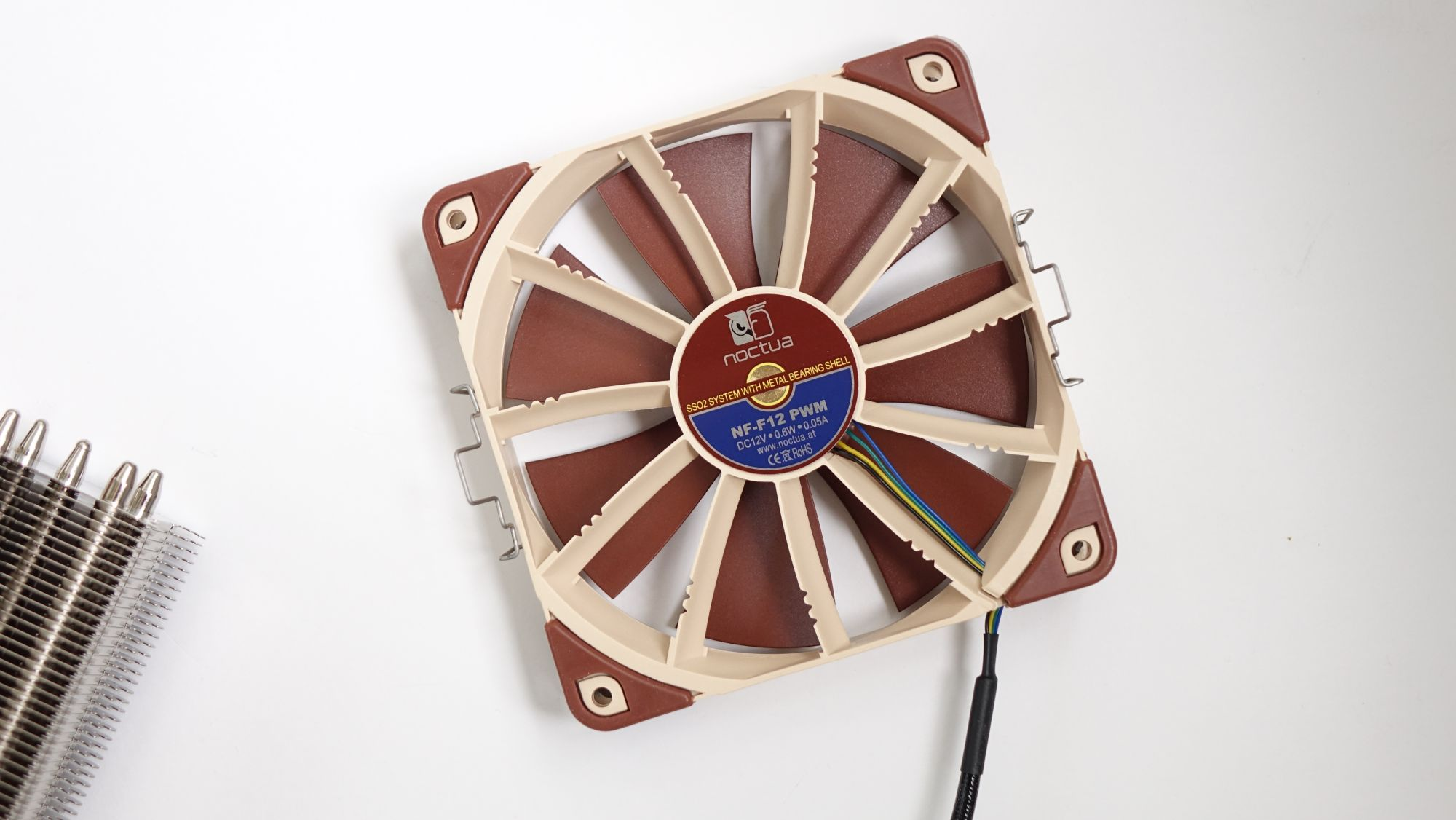 NH-U12S TR4-SP3 вентилятор