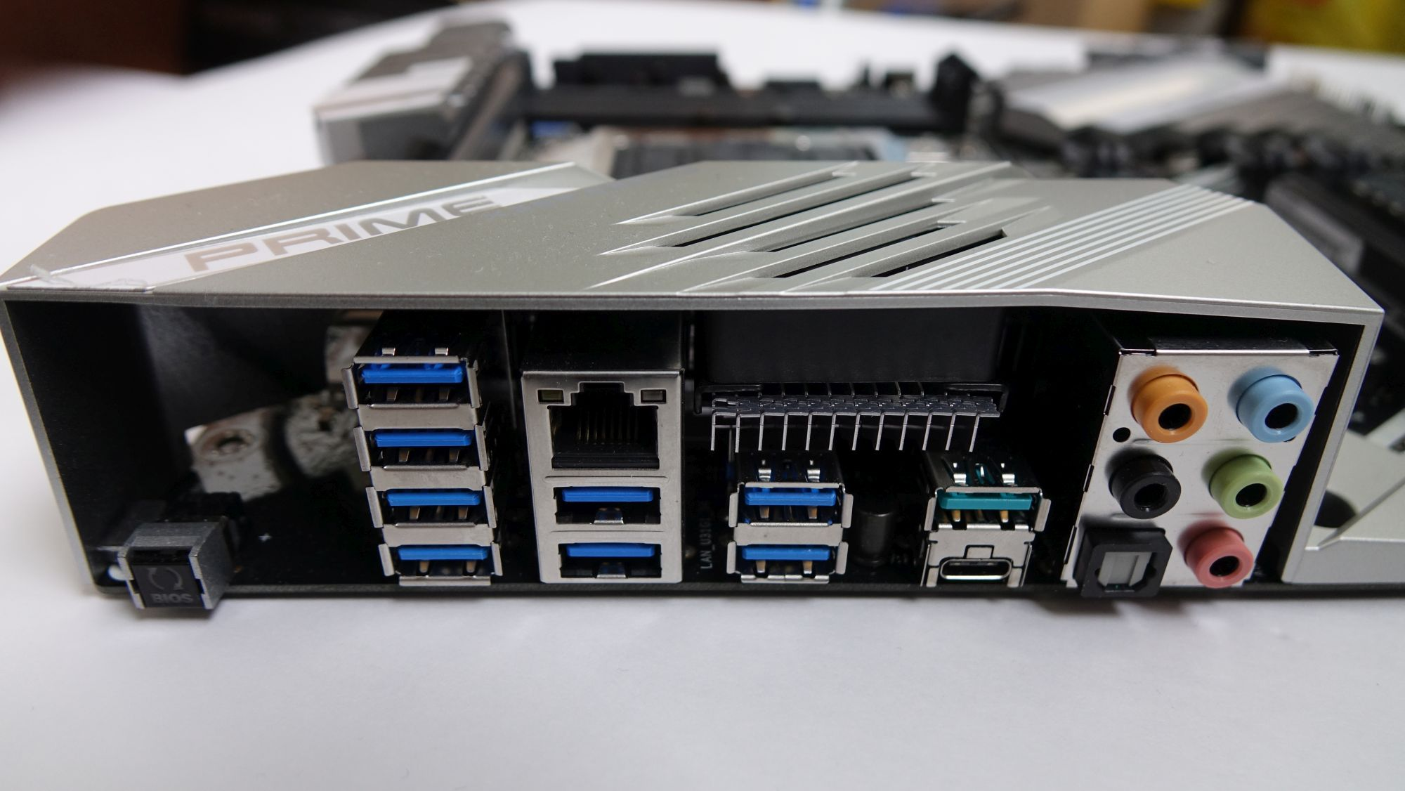 ASUS Prime X399-A задняя панель