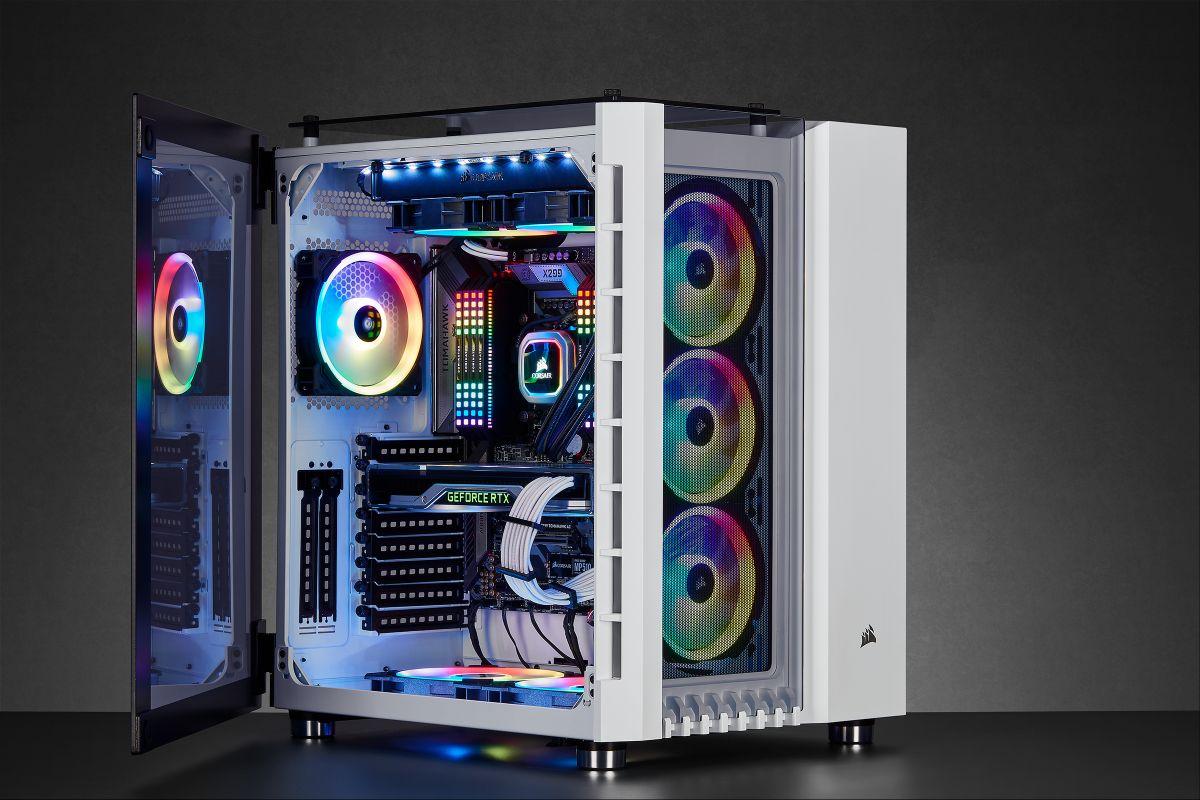 Corsair выпустила кейсы Crystal 680x Rgb и Carbide 678c