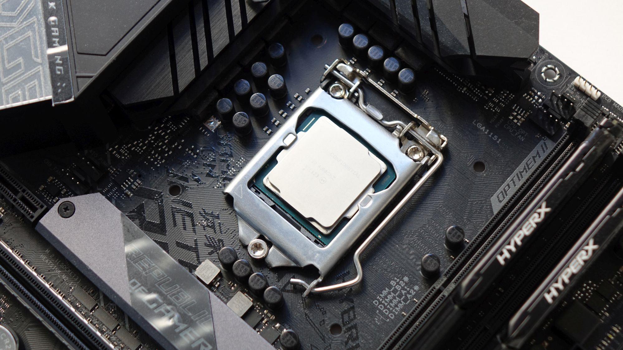 Intel Core i7-8086K на плате