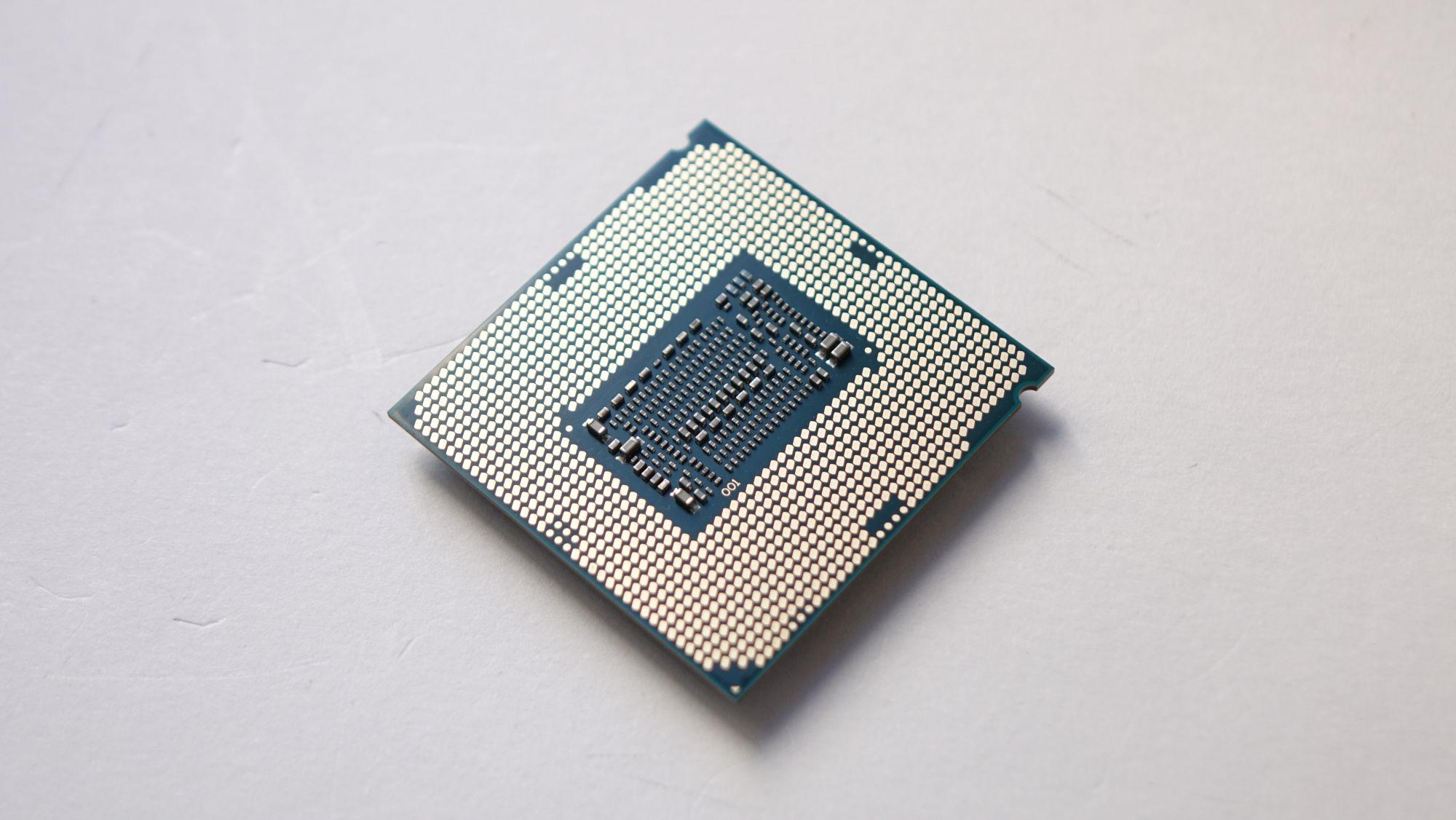 Intel Core i7-8086K контакты