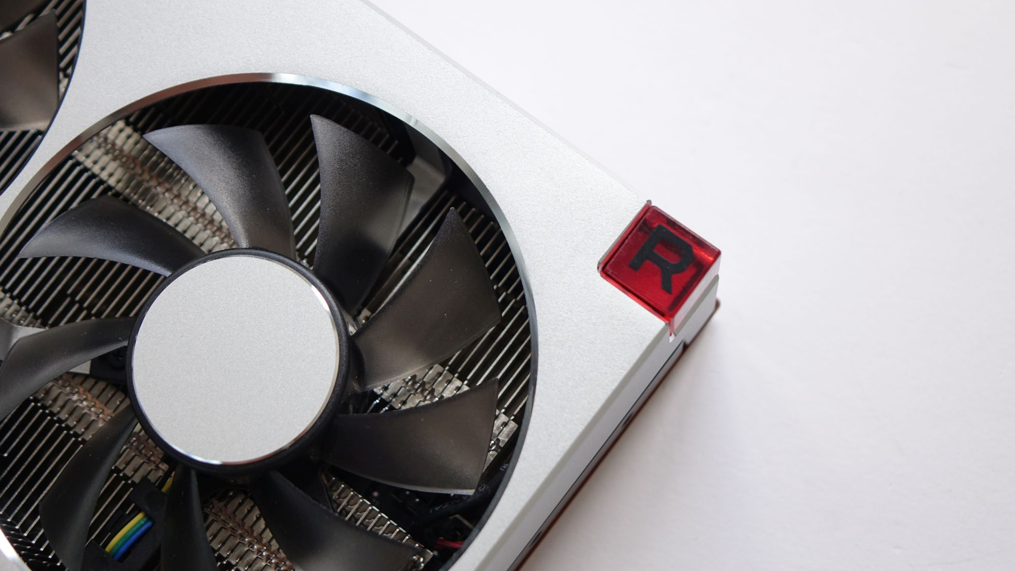 ASUS Radeon VII лого